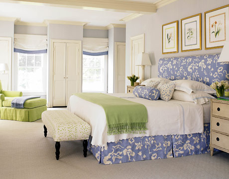 this room and the mix of periwinkle and apple green are very pretty