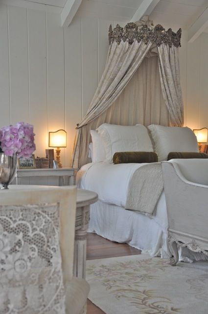 bedroom of the talented brooke of velvet and linen so very french