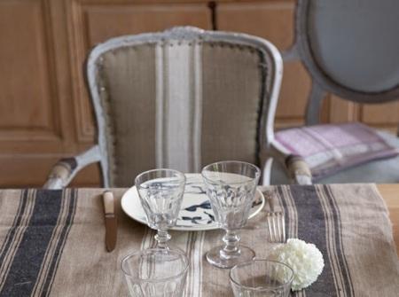 3-Fauteuil-de-style-Louis-XV-et-assiettes-en-faience-fin-XIXe-a-decor-de-gibier-d-eau_carrousel_gallery_xl