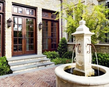 8-foutain in a courtyard 1.23.13 haus design