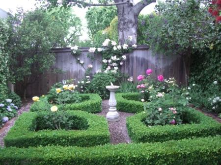 formal knot garden