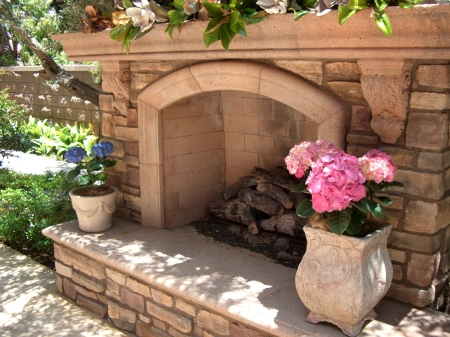 CJM Outdoor fireplace