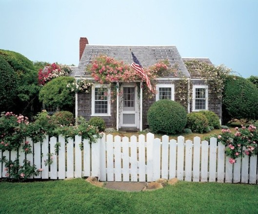 Garden, Home and Party: Cottage Living