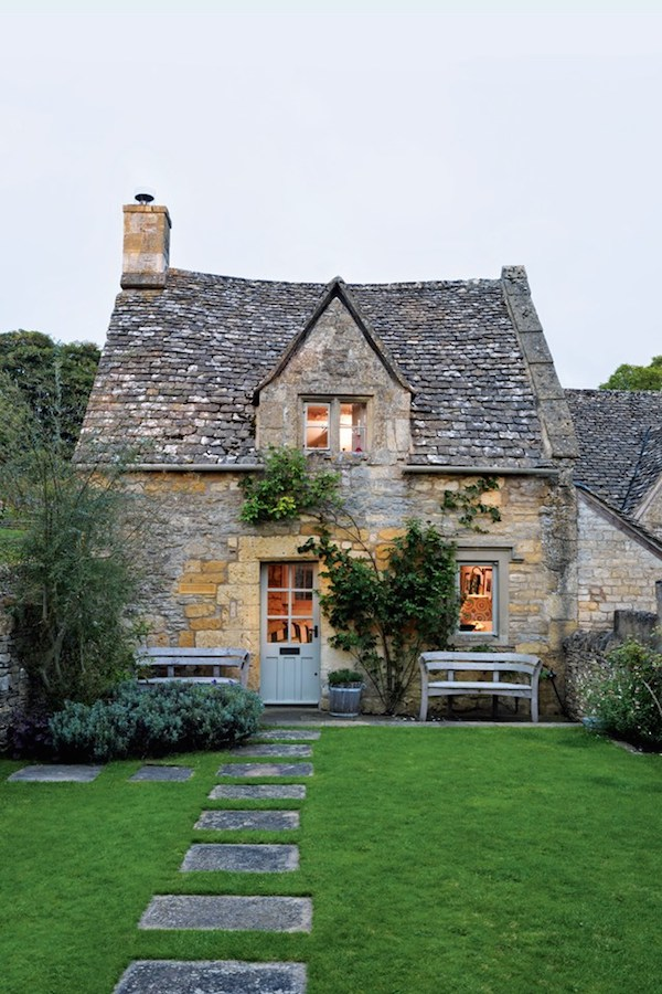 Garden, Home and Party: Cottages and manor houses