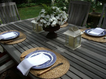 Bethany House outdoor dining