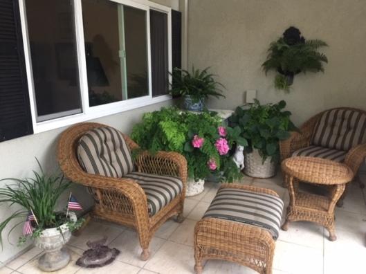mariposa courtyard1